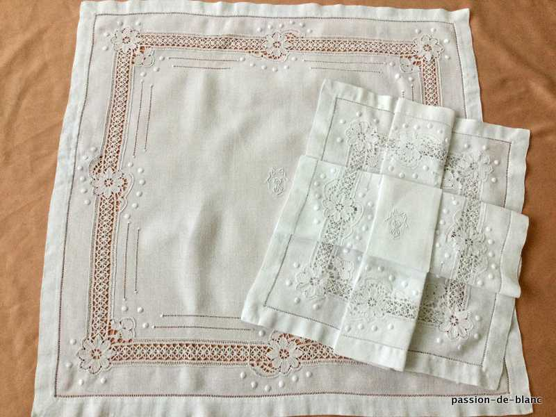 OLD LINEN / Set of 2 wonderful large napkins with SN mongram and bobbin lace frame