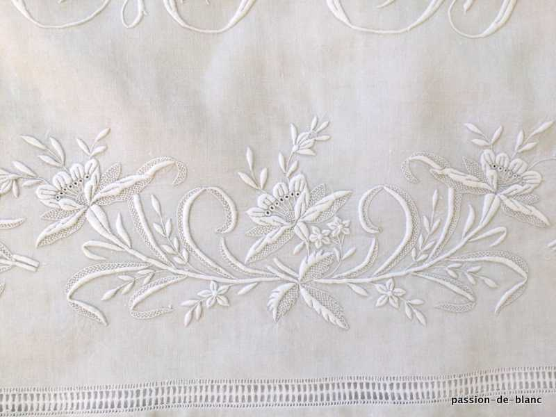 OLD LINEN / Beautiful large sheet with floral garland and AB monogram on fine linen canvas